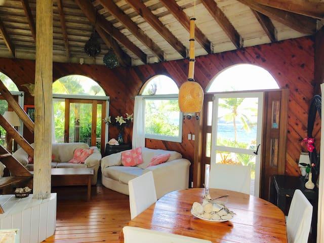 Romantic Round House, private Beach