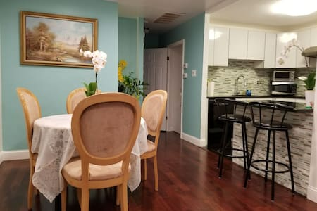 Mins to PHL/Stadiums/95/City -Safe/Quiet -3BR -2BA