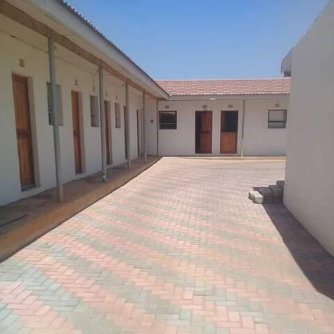 Mosamo Thethe  Residence