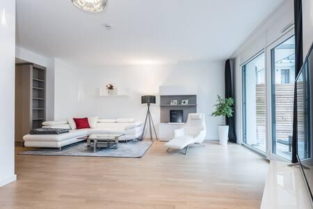 93m2 Design Apartment with terrace & parking - Munich