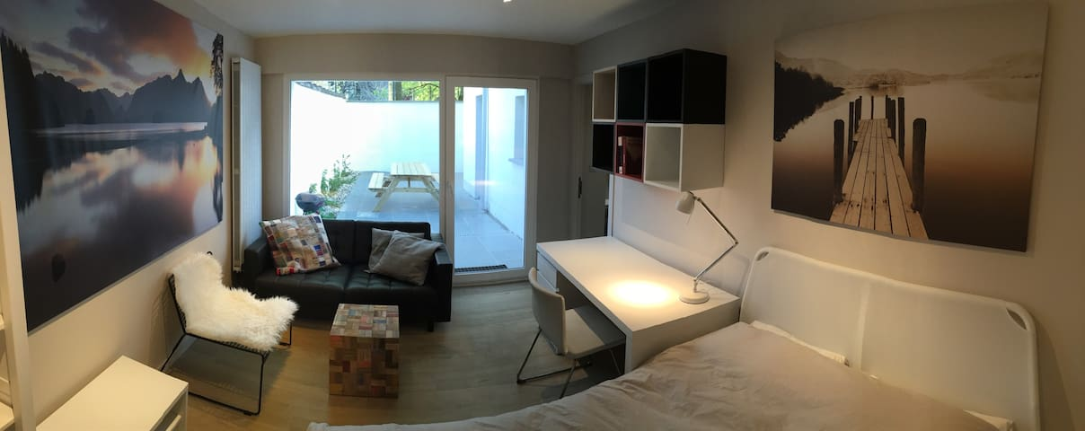 Cosy 3 Room apartment on central location & patio!