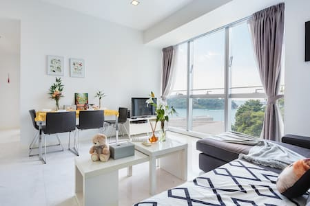 Resort Style Seaview Luxury Apt Near SENTOSA CBD