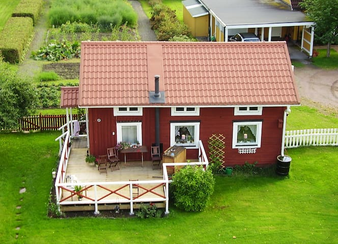 Visthuset (food storage house) at Långnäs Manor