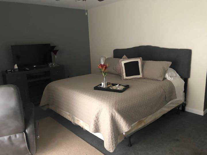 Gray Jasmine Room