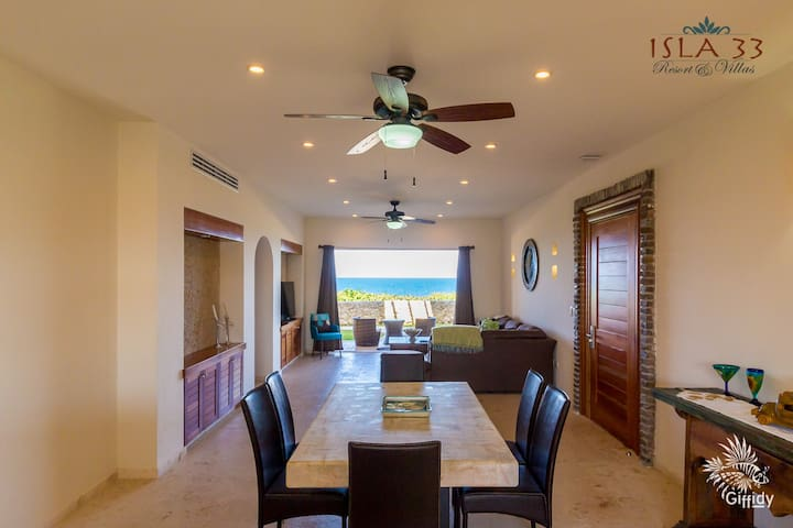 Stunning Caribbean view from 1st floor 2 bed condo