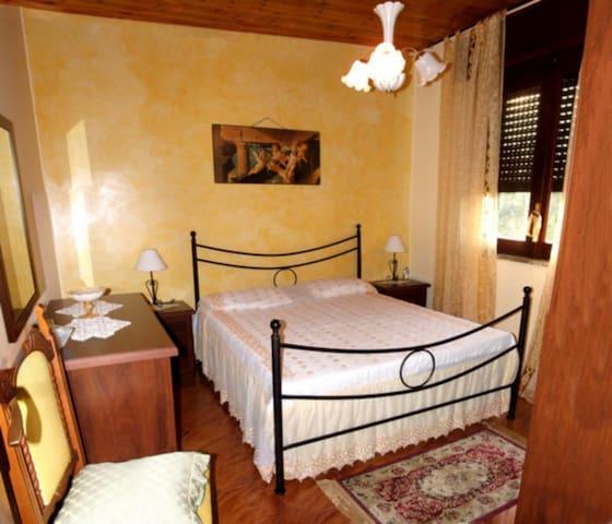 Casa Vacanza vicino Capo d'Orlando con terrazzo - Rocca di Capri Leone - Apartamento