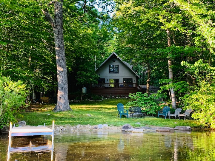 Waterfront Retreat on Chalk Pond