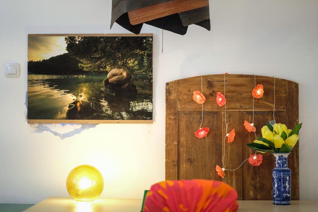 BEDROOM 1 /// Workdesk 3 /// Designer lamp /// Photography by Damian Nenadic ///