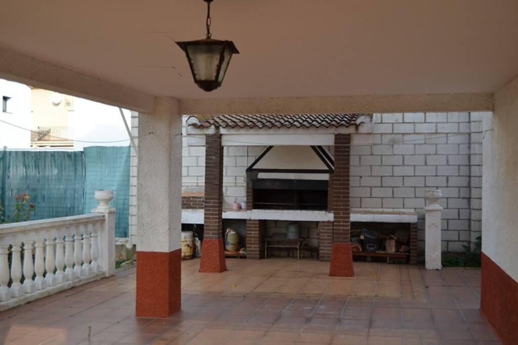 Casa grande con jard n a un paso de madrid houses for for Casa jardin madrid