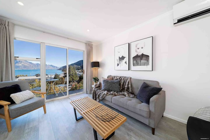 Best View in Queenstown-Town Centre Location!