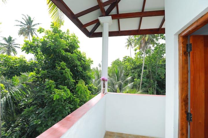 Tropical Paradise~Rooftop Terrace~Jungle Views+A/C