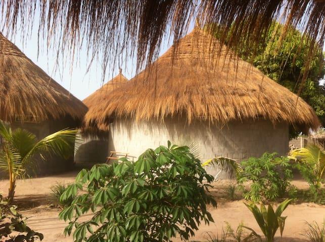 Santa Yalla Yogaretreat - Tujereng - Bed & Breakfast