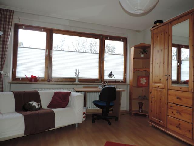 Zimmer in schöner Umgebung in Bad Gandersheim - Bad Gandersheim - House