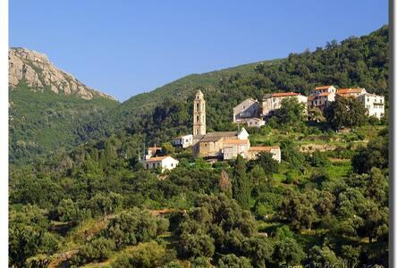 Maison de village entre Mer et Montagne - Santo-Pietro-di-Tenda