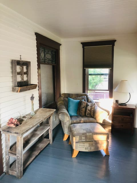 Updated dtwn home, walking dist. to Main St., CMU