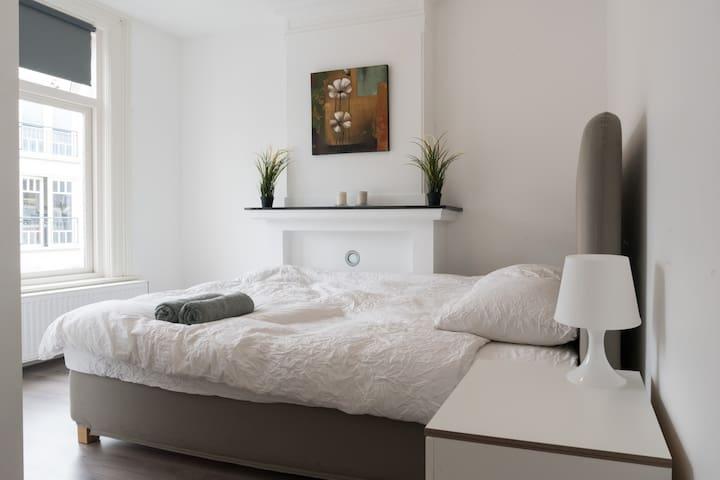 Cozy single bedroom 5min walk to Dam square!