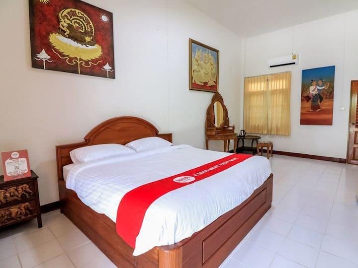 Lanna Thai teak house清迈航东木雕小镇 兰纳泳池度假村园景度假大床房 免费接机