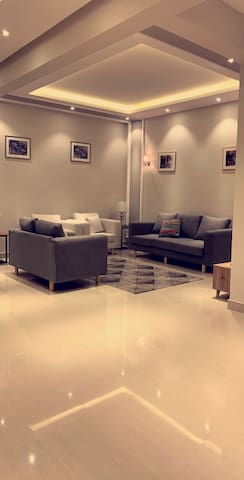 New Luxurious 3BR Apartment in Almalqa