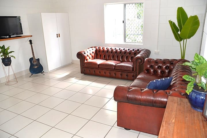 The Weekender - Spacious Self-Contained Apartment - Yeppoon - Lägenhet