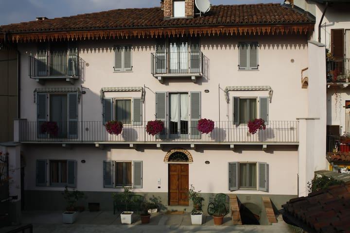Appartamento in palazzo di inizio ottocento - Montà