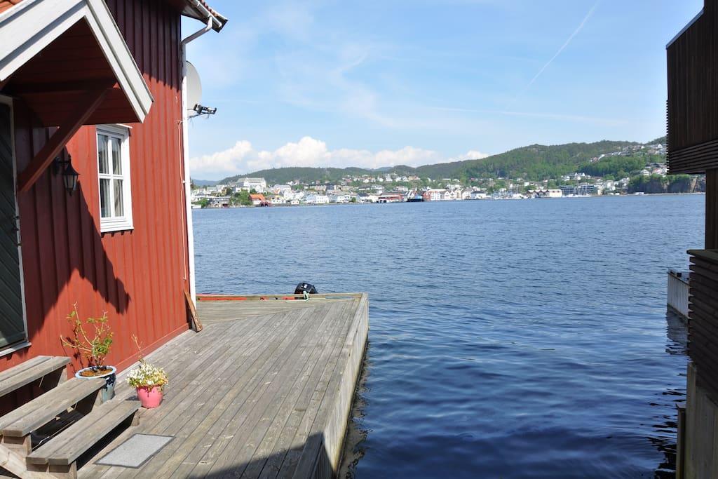 Flott utsikt mot Flekkefjord sentrum
