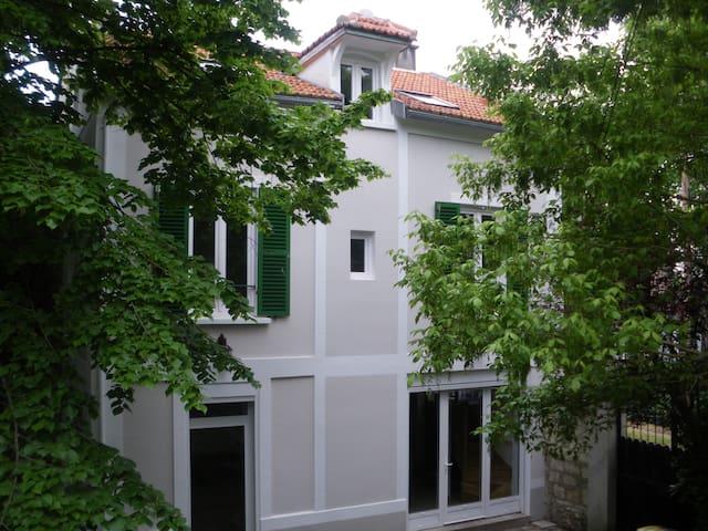 Maison Le Vésinet côté lac et parc - Le Vésinet