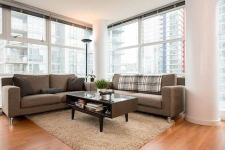 BEST LOCATION 2 BED+PARKING+ GYM + POOL - Vancouver
