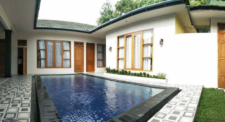 Modern Villa at Puncak Bogor with Private pool