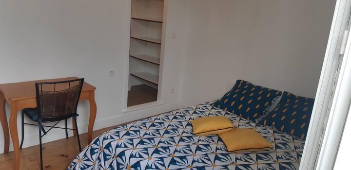 Chambre avec salle de bain privée à Bizanos / Pau