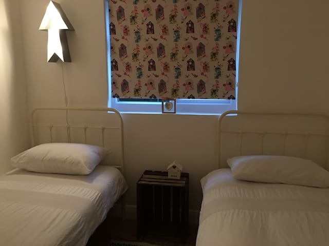 Lovely Room in Friendly Home - Portslade - Haus