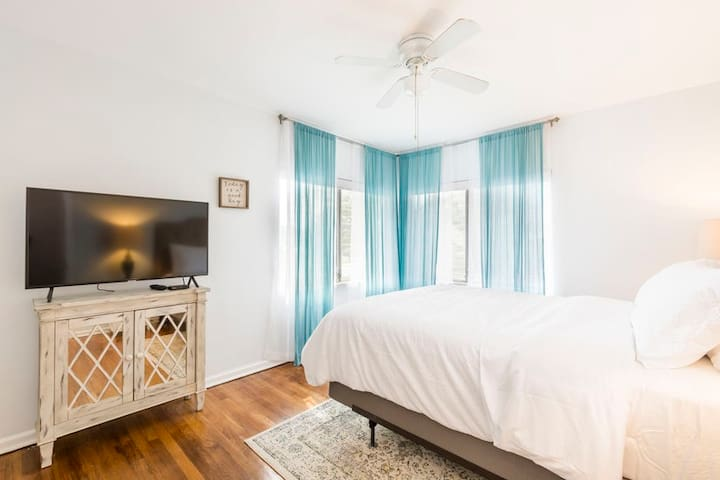 Your comfort is important to us. Enjoy the master bedroom with a new Plush Mattress queen size bed.  Sleep late and watch in private the 2nd large flat HD TV screen with cable/internet connection.