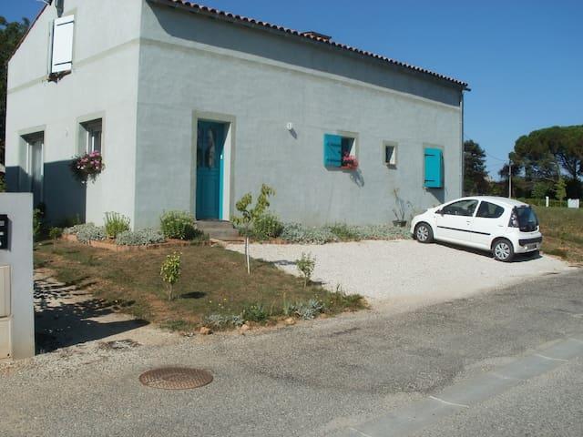 5 pièces, 1er étage maison individuelle - Cahors - Huis