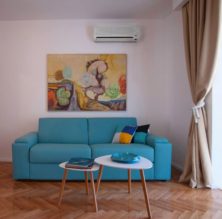★Captain 1BDR Ap★ Private Big Terrace and  Pool