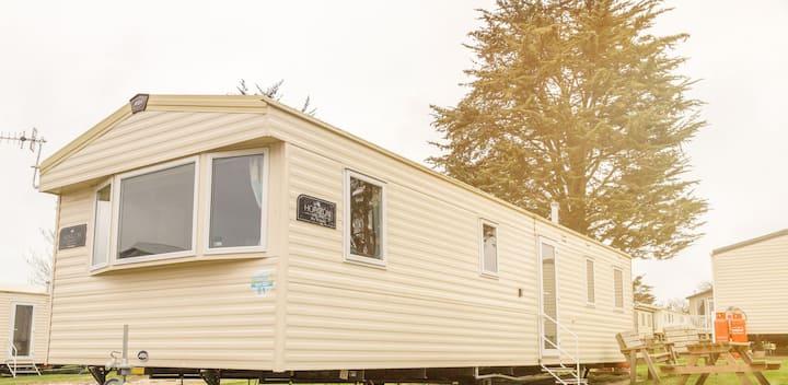 3 Bedroom Luxury Caravan on West Lawn, WeymouthBay