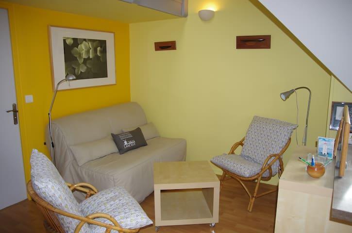 Studio  spacieux dans village balnéaire.