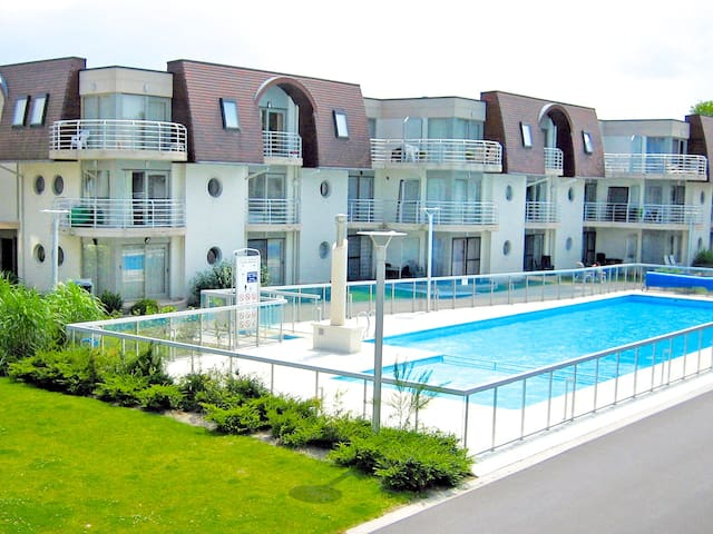 Cosy apartment with great pool - Bredene - Wohnung