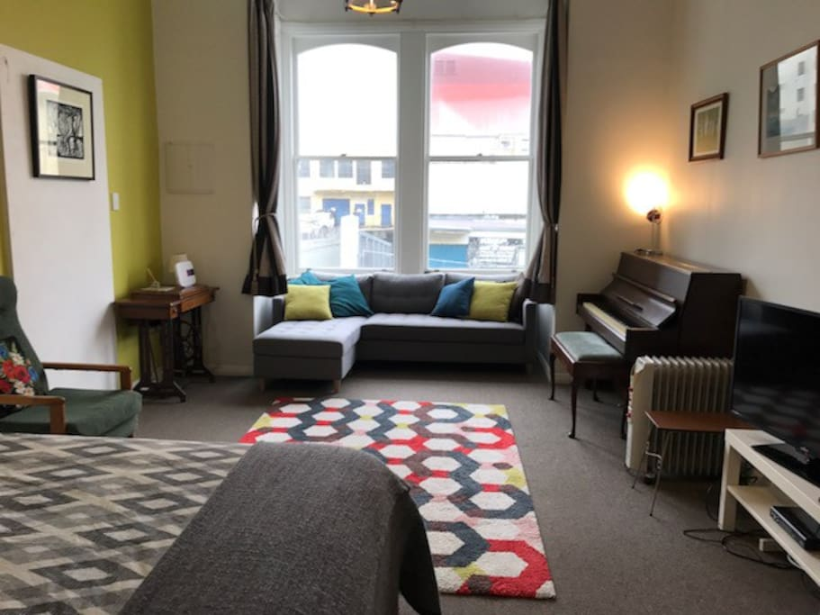 Sunny Central Lounge Bedroom Apartments For Rent In Wellington Wellington New Zealand