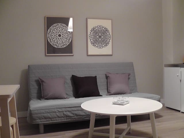 Minimal two rooms apartment in the heart of Athens - Athina - Apartamento
