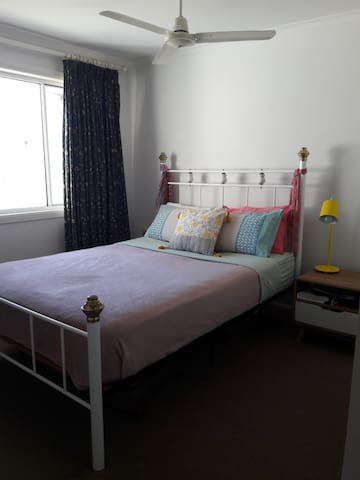 Private room with double bed (Available from 12 to 20 October).
