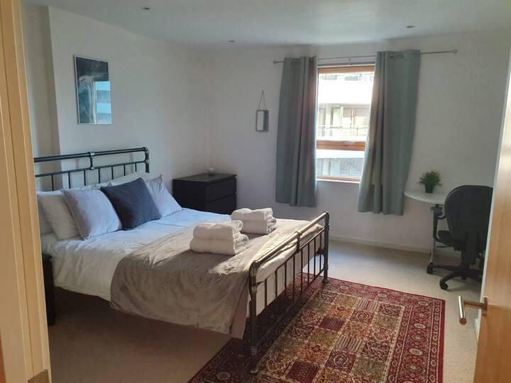 Clean & Spacious Apartment in Centre