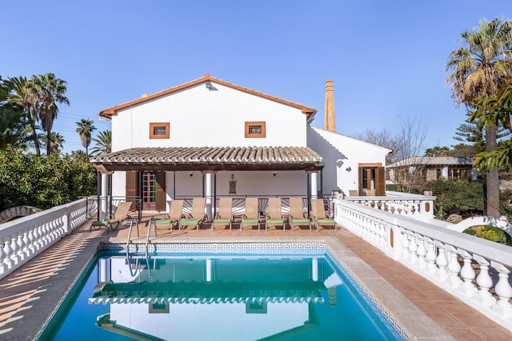 """Luxury Villa """"Moli dels Reis"""" with Mountain View, Pool, Wi-Fi, A/C, Balcony, Terrace & Garden; Parking Available"""