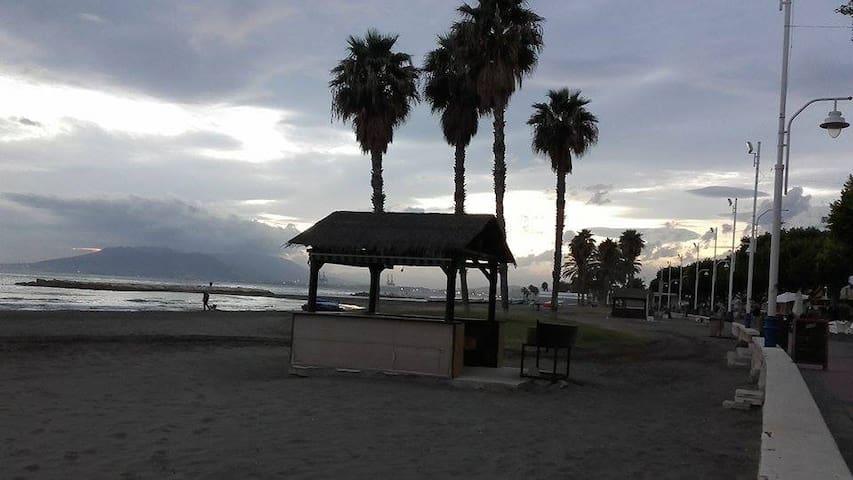 Habitacion cerca de la playa - Málaga - Bed & Breakfast