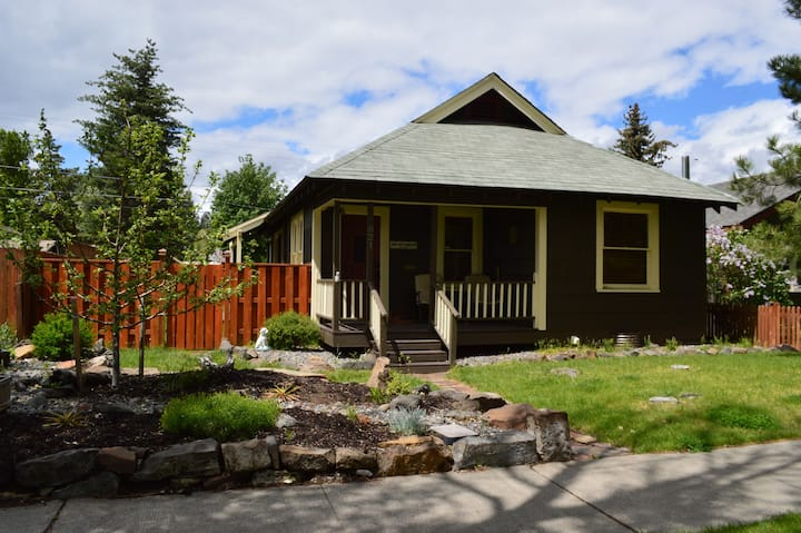 The Drake West Bungalow: Walk to Downtown Bend