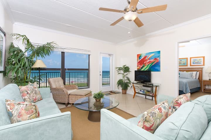 Saida II 602 -  Cozy Oceanfront Condo, Panoramic Ocean Views, Great Get-a-way for Couple or Small Family