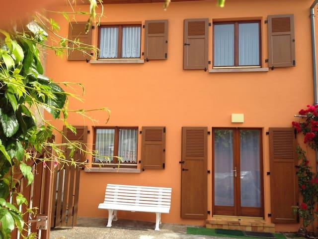 Gîte de vacances tout confort a Eguisheim Ht/Rhin - Eguisheim - Casa