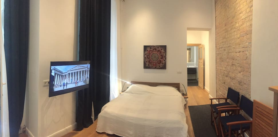 Cityappartment Charlottenburg 4.3