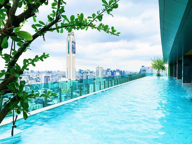 四面佛旁五星公寓步行可到暹罗商圈/水门市场/中央世界商城/3MinBTS/私人电梯/37F Pool