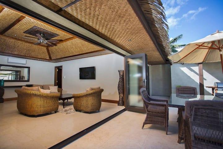 Te Manava 5 Star Ultimate Pool Villa