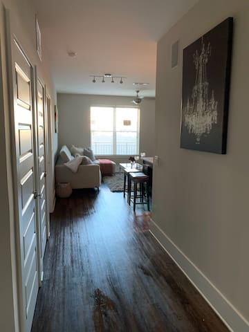 Cozy Buckhead apartment near Lenox Mall