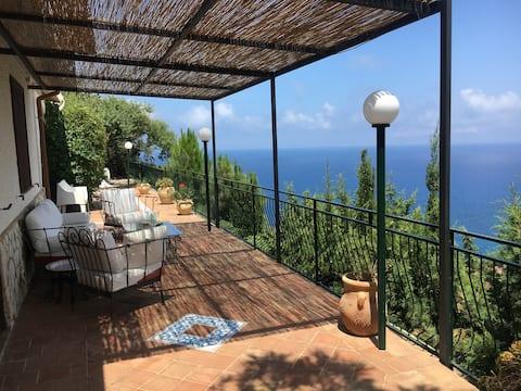 Bella villa Panoramica con vista mare mozzafiato